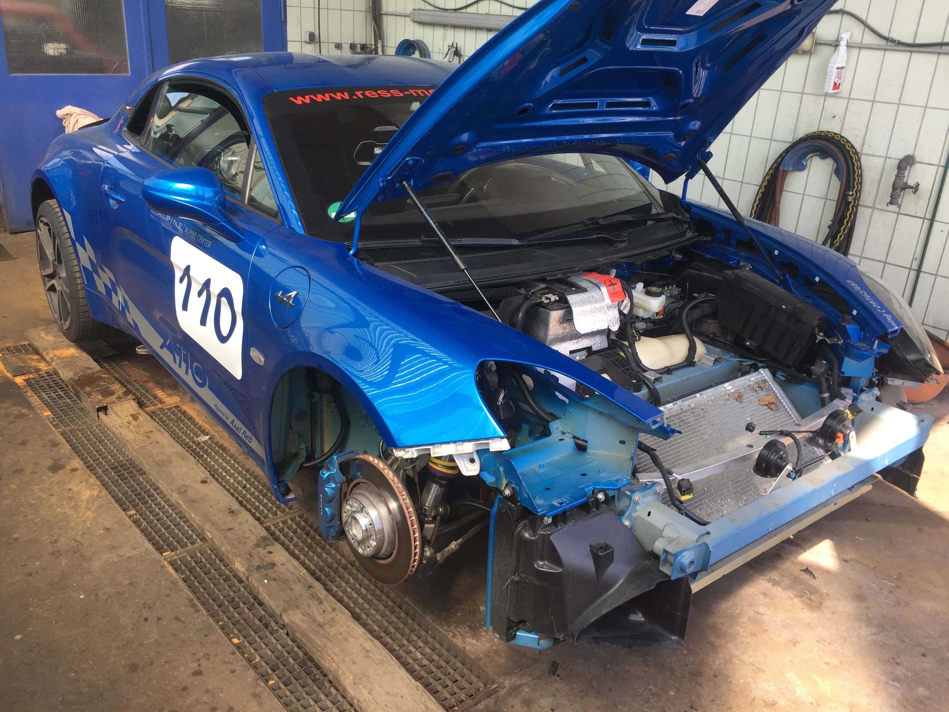 Alpine A110 Unfall Service und Wartung